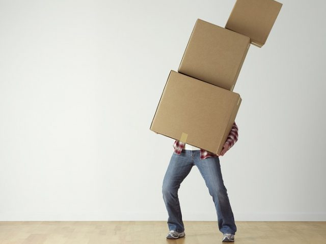 https://www.professorjruiz.com/wp-content/uploads/2019/06/overload-cardboard-carrying-boxes-person-move-2624231-640x480.jpg